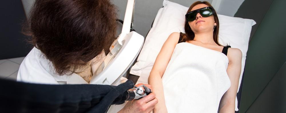 l 39 pilation laser une affaire de professionnels medecine en ligne. Black Bedroom Furniture Sets. Home Design Ideas