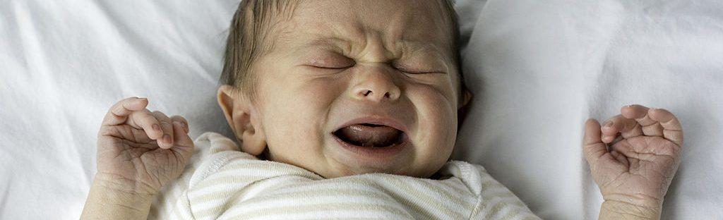 Les oreillons chez l'enfant : une maladie virale causée par le ...